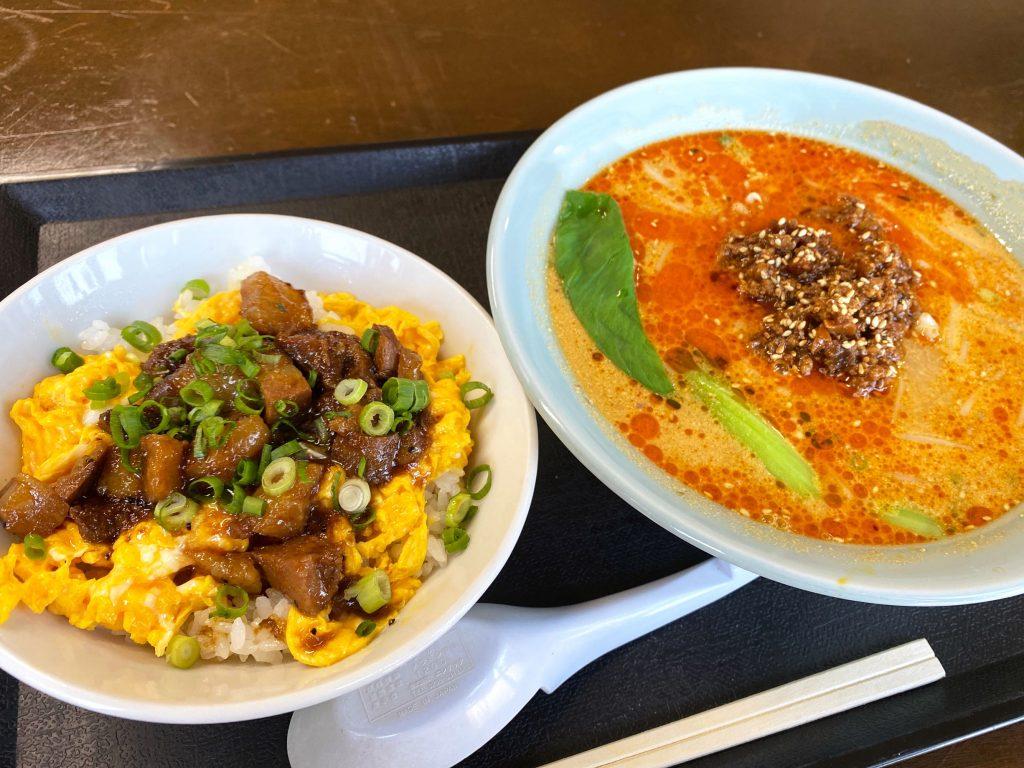 担々麺+チャーシュー丼のハーフセット