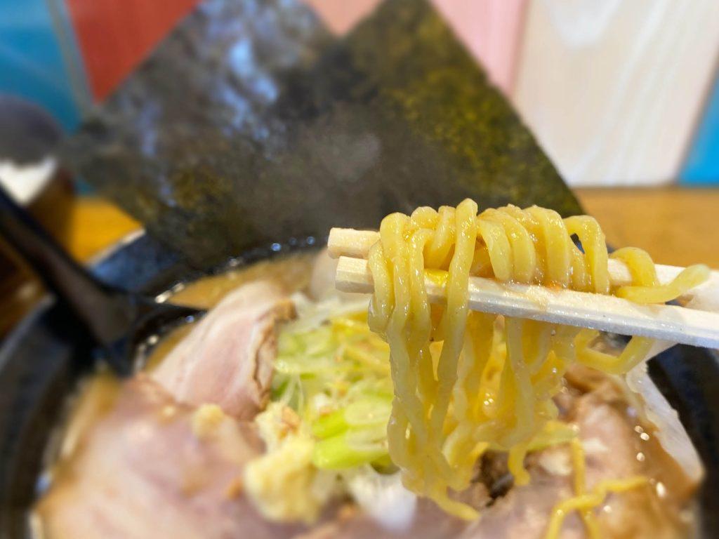 全部乗せ津軽味噌ラーメン 麺リフト