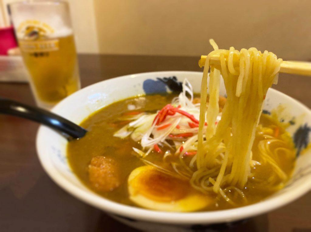 与作カツカレーラーメン(麺)